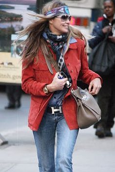 Love Elle Macpherson mixing hippie with Hermes (Jypsiere in Etoupe Clemence)