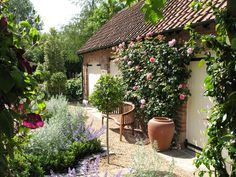 A formal courtyard garden near York.: Designer Garden