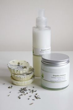 A magical blend of lemon, eucalyptus and peppermint to help soothe your skin after or during your shaving routine. The lemon will also uplift you and the eucalyptus will act as a soothing, yet antibacterial barrier should you nip yourself during shavi. Buddy Man, Itch Relief Cream, Ways To Wake Up, Wet Shaving, Winter Warmers, Peppermint, Aroma Products, Handmade Gifts, Big Chill
