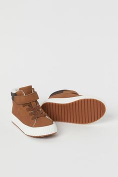 Warm-lined hi-tops - Brown - Kids | H&M GB 2 H&m Gifts, Hello Autumn, Tabata, Fashion Company, World Of Fashion, Style Guides, High Tops, Personal Style, Baby Shoes