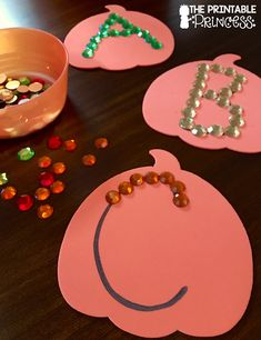The Printable Princess: Fall Fun for Kindergarten Fall Preschool Activities, Halloween Activities, Preschool Art, Preschool Kindergarten, Group Activities, Fall Crafts For Kids, Toddler Crafts, Brief Collage, October Crafts