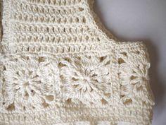 "Ravelry: Projeto Gallery para o padrão Granny Praça Crochet / tecido do vestido por Mon Petit Violon [   ""Granny Square Fabric Dress pattern by Mon Petit Violon"" ] #<br/> # #Crochet #Girls,<br/> # #Crochet #Woman,<br/> # #Crochet #Fabric,<br/> # #Crochet #Patterns,<br/> # #Granny #Squares,<br/> # #Amigurumi,<br/> # #Girls #Dresses,<br/> # #Ravelry,<br/> # #Pattern #Library<br/>"