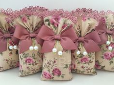 Lavender Crafts, Lavender Bags, Christmas Fair Ideas, Christmas Crafts, Diy Crafts Hacks, Diy And Crafts, Bridal Gift Wrapping Ideas, Baby Girl Birthday Theme, Diy Bead Embroidery
