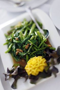 Thai vegetable stir-fry recipe with yellow bean or oyster sauce from Temple of Thai recipes.