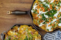 SKILLET BUFFALO CHICKEN NACHOS These Buffalo Chicken Nachos blend two of our favorite sports bar foods, and improve them both with a FINEX cast-iron presentation that keeps them hot longer than ever. Mexican Appetizers, Chicken Appetizers, Buffalo Chicken Nachos, Gluten Free Puff Pastry, Cast Iron Recipes, Creole Recipes, Skillet Chicken, Entree Recipes, Quick Recipes