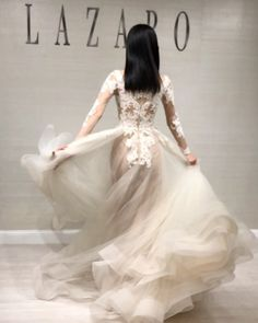 "Lazaro su Instagram: ""It's time to dance in your Lazaro 💃 #happyfriday #tgif #twirling #lazarofall17 see the collection at @ivorybridalatelier #houston #tx on…"""