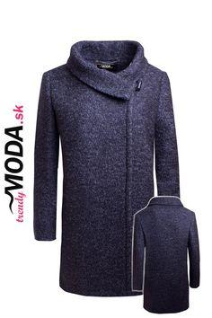 Kvalitný vlnený dámsky zimný kabát moderného voľného strihu.-trendymoda.sk Hoodies, Sweaters, Fashion, Moda, Sweatshirts, Fashion Styles, Parka, Sweater, Fashion Illustrations