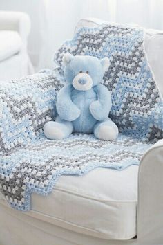 Bernat® Baby Coordinates™ Ripple Waves Crochet Blanket - Pattern I used for Jaxson's baby blanket Crochet Afghans, Baby Afghans, Crochet Blanket Patterns, Baby Blanket Crochet, Baby Patterns, Crochet Stitches, Crochet Blankets, Chevron Baby Blankets, Chevron Blanket