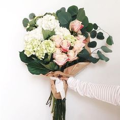 Roses and hydrangea for the week | A Fabulous Fete