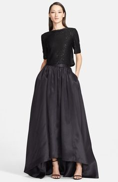 St John's collection winter 2015 silk organza skirt available at Nordstroms Evening Skirts, Evening Outfits, Evening Dresses, Dresses For Teens, Formal Dresses, Party Dresses, Maxi Skirt Black, Maxi Skirts, Classic Outfits