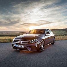 Another #MBSunPhoto via @alpgoksel - let the sun shine in... #MercedesBenz #Mercedes #MBCar #Cartastic #Luxury #Lifestyle #Sun #2K17 #Summer2017 [Mercedes-Benz E 300   Fuel consumption combined: 6.9 l/100 km   Combined CO2 emissions: 156 g/km]