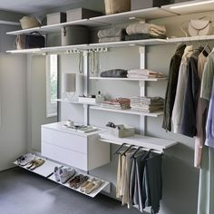 peka Pecasa: smart living for greater comfort Shelf System, Modular Shelving, Clothes Rail, Shelf Design, Wood Design, Storage Solutions, Living Area, Furniture Design, House Design