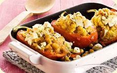 Paprika gefüllt mit Sesam und Kichererbsen, mit Lauchzwiebel-Salsa serviert