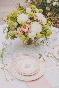 Pastel vintage table setting