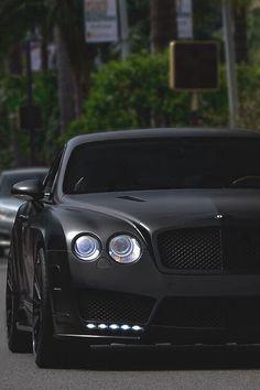 Mattè Black Finish Bentley Continental GT