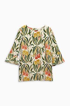 Unser grafischer Liebling! Next Shirt mit Trompetenärmeln und Urwaldstimmung