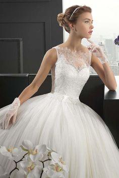 Popular Trend: Incredible Wedding Gloves ❤ See more: http://www.weddingforward.com/wedding-gloves/ #weddings #gloves