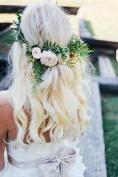 Coiffure de mariée fleurie