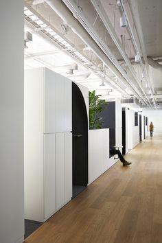 삼성동 소재 외국계 회사 – STUDIOVASE Office Space Design, Workspace Design, Office Interior Design, Office Interiors, Office Graphics, Site Office, Open Ceiling, Partition Design, Showroom Design