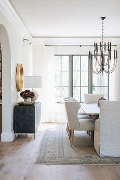 Poltrona para Mesa de Jantar: +50 Ideias Incríveis para te Inspirar Dining Room Inspiration, Design Inspiration, Interior Inspiration, Plywood Furniture, Furniture Projects, Dining Room Design, Home Fashion, Country Fashion, Country Outfits
