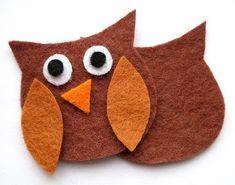 Muito fofa esta corujinha em feltro com  passo a passo e molde do blog http://bugsandfishes.blogspot.com.br                      ...
