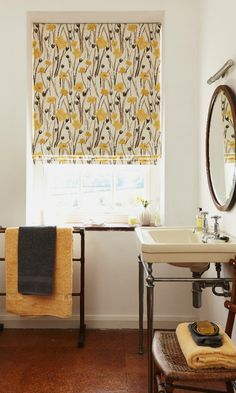 Wild Poppies Gold Roman blinds for your bathroom from Hillarys. Find more inspiration here: http://www.hillarys.co.uk/