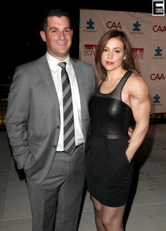 Actress Alyssa Milano morphed into a bodybuilder? Alyssa Milano, Bodybuilding, Actresses, Formal Dresses, Fun Stuff, Black, Fashion, Female Actresses, Dresses For Formal