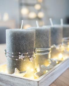 DIY: Last Minute Advent arrangement in silver – simple and noble – Decoration Rustic Candles, Pillar Candles, Advent Candles, Decoracion Navidad Diy, Christmas Wreaths, Christmas Decorations, Halloween Decorations, Printable Calendar Template, Printable Christmas Cards