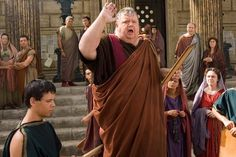 """""""Town crier"""", so a person verbally announcing various information (i. public notices), was present not only in the Middle Ages. In ancient Rome such a person was called as praeco (plural praecones). Rome Tv Series, Hbo Series, Roma Hbo, Rome Costume, Ray Stevenson, Newsreader, Julius Caesar, Roman History, British American"""