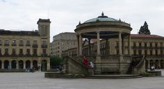 Kiosque à musique, Plaza del Castillo, Pampelune, Navarre, Espagne. | Flickr - Photo Sharing!