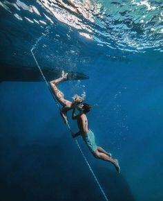 Underwater Kiss, Underwater Photos, Underwater Photography, Travel Photography, Girl Photography, Under The Water, Cavo Tagoo Mykonos, Luxury Concierge Services, Beaux Couples