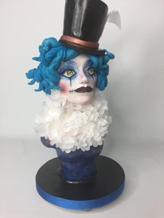 Femme de Cirque - Cake by Lesi Lambert - Lambert Academy of Sugar Craft Cake Structure, Circus Cakes, Cupcake Cookies, Cupcakes, Sculpted Cakes, Modeling Chocolate, Sugar Craft, Fancy Cakes, Love Cake