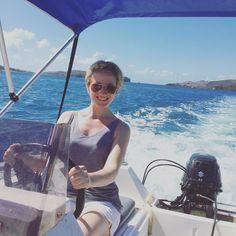 #fullthrottle #speedboat #hamiltonisland #whitsundays #greatbarrierreef by ashleighmwilson http://ift.tt/1UokkV2