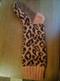 Silmukka puikoilla: Silmukat Gloves, Socks, Fashion, Stockings, Moda, Fashion Styles, Hosiery, Fasion, Mittens
