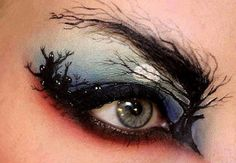 So cool! Halloween eye makeup