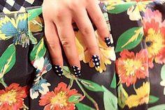 Best Spring 2013 Runway Nails - Kate Spade Kate Spade Handbags, Kate Spade Bag, Gingham, White Plaid, Black White, Runway Nails, Kate Spade Designer, Get Nails, Nail File