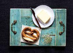 Tyrkysový rozkošnícky podnos Camembert Cheese, Ale, Dairy, Food, Ale Beer, Essen, Meals, Yemek, Eten