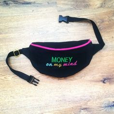 #kidney #sachet #Black #blue#gold#embroidery #army #handmade #pink #gold #saszetka #nerka #sewing #chump #hip #travel #hipbag #fashion #outfit #waterproof #material #pattern #szycie #money  #on #my #mind #weekend #party