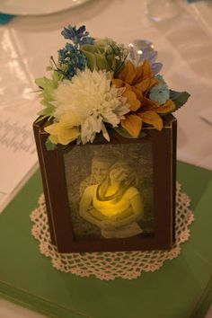 Candle Lit Picture Frame Wedding Centerpiece {tutorial}. Perfect!!!