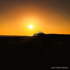 Fire in the sky #vilamoura #myvilamouragallery #fireinthesky #beach #beachy #beaching #beachporn #photooftheday #instagood #praiadafalesia #california #californiaofeurope #instalife #instalike #sunset #sunsetporn #mysunsetgallery #myportugal #photooftheda