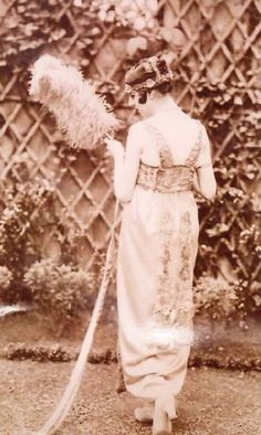 wikipedia Lucy Christiana, Lady Duff Gordon (June 1863 – April was a leading fashion designer in the late nineteenth and early twentieth Edwardian Clothing, Edwardian Era, Edwardian Fashion, Vintage Fashion, Lucy Lady Duff Gordon, Art Deco Fashion, Fashion Design, 20th Century Fashion, The Duff