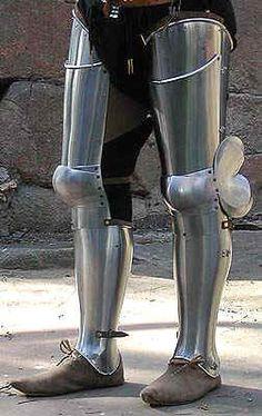 Leg armor. Reminds me of the Glasgow Avant armor