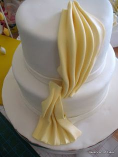 How to make gumpaste drapes for a cake