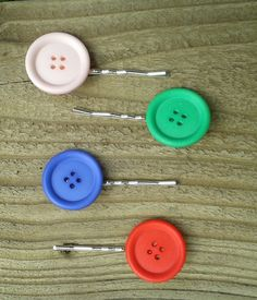 Add a touch of colour to your hair with this fun hairgrip with a button…