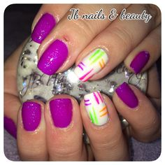 Neon purple sparkly gel polish on natural nails