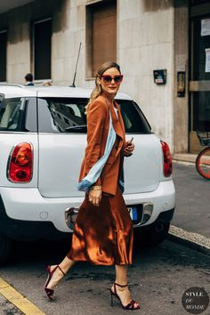 Olivia Palermo between the fashion exhibits. The submit Milan SS 2020 Street Style: Olivia Palermo appeared first on STYLE DU MONDE Street Style Trends, Best Street Style, Milan Fashion Week Street Style, Milan Fashion Weeks, Cool Street Fashion, Look Fashion, Daily Fashion, Fashion Photo, Autumn Fashion