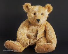 Teddy Bear Hug, Teddy Bears, Needle Felted Animals, Felt Animals, Bear Doll, Little My, Antique Toys, Squirrel, Creatures