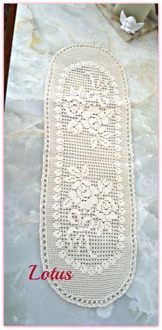 ROSEPERFUME crocheted lace di Artlotushandmade su Etsy, €300.00