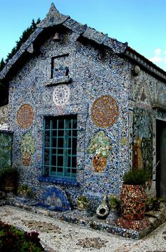 1000 ideas about broken china on pinterest broken china for Assurance pendant construction maison