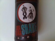 Cerveja Jabaquara Shake Saison IPA, estilo Saison / Farmhouse, produzida por Cervejaria Urbana, Brasil. 6% ABV de álcool.
